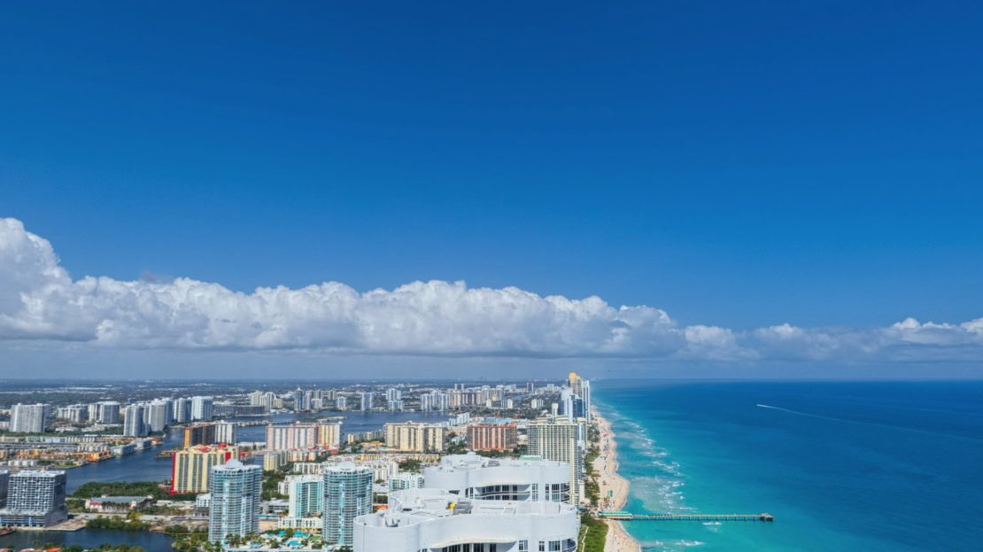 Sunny Isles real estate. Sunny Isles Apartments for sale.Sunny Isles beach condos for sale. Sunny Isles condos for sale. Miami beachfront condos for sale.Miami apartments for sale. Miami condos for sale. Miami luxury condos for sale. Ritz Carlton Residences Sunny Isles Beach